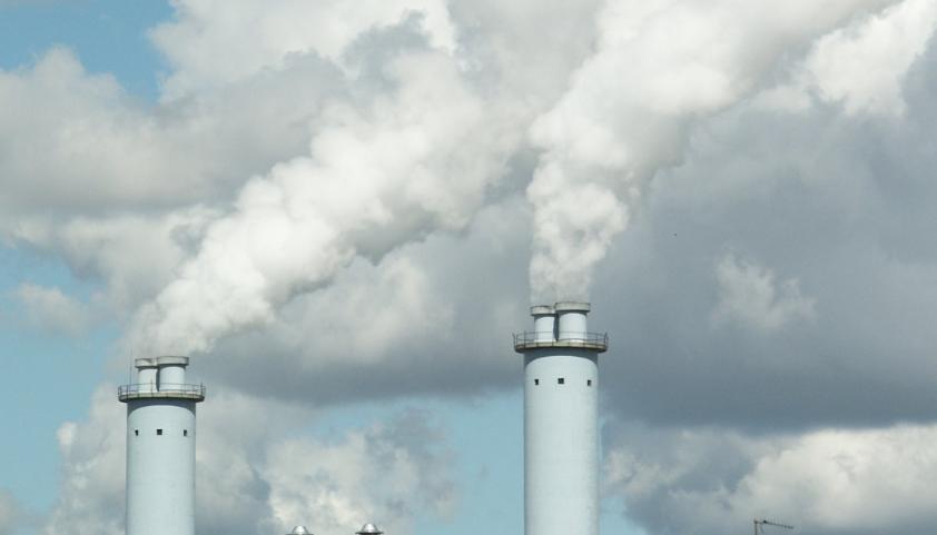 Rök från industriskorstenar