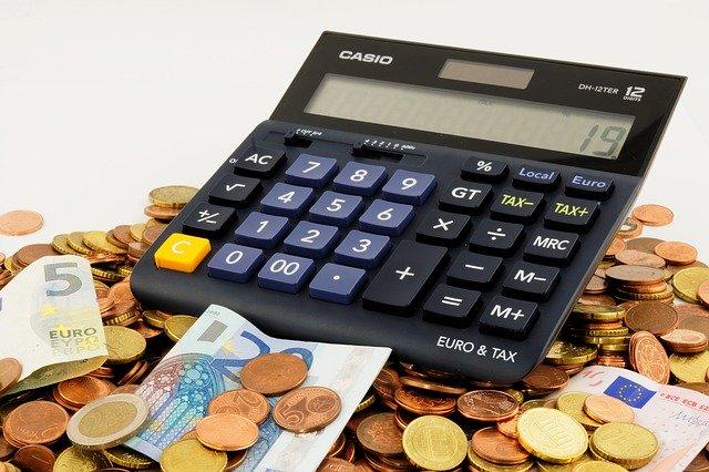 Pengar och en miniräknare